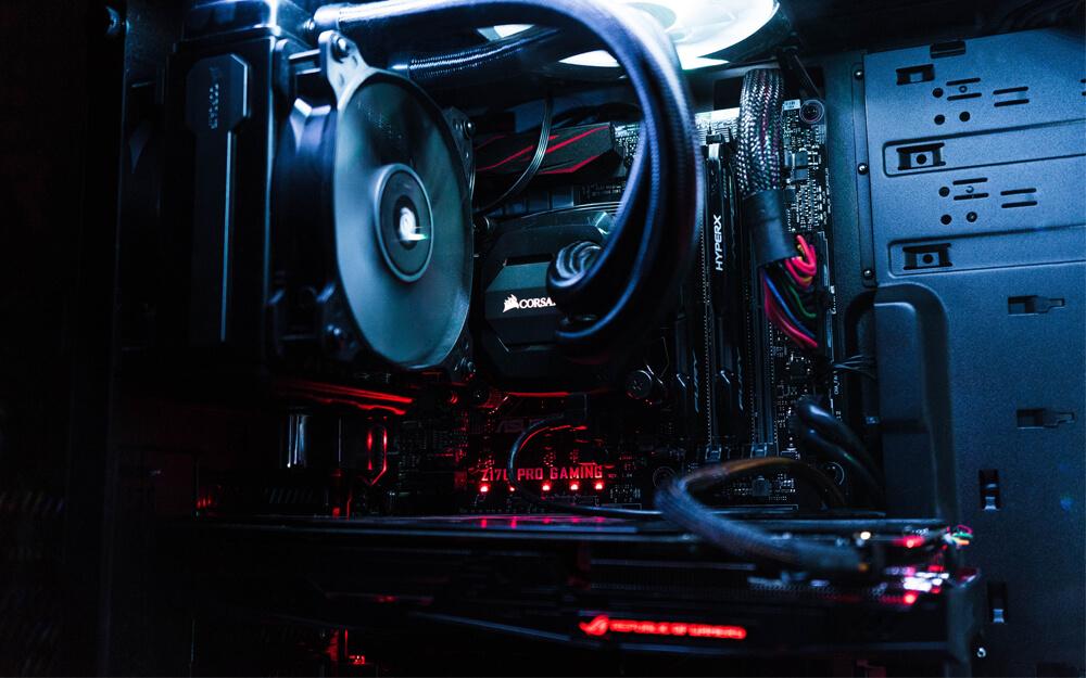 Du hast nicht viel Platz für dein Gaming-Setup? Schau dir mal diese Mini-Gaming-PCs an!